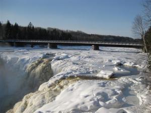 Kakabeka Falls winter 09